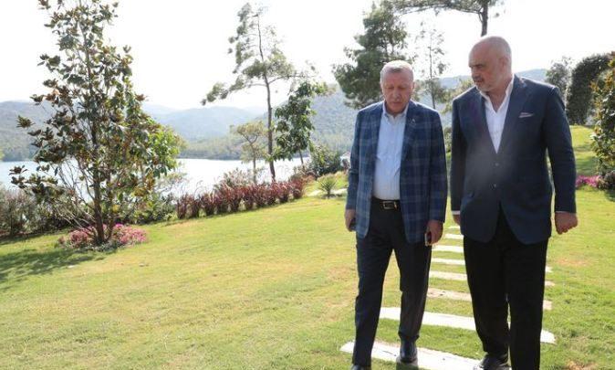 Vizita e papritur e Ramës në Turqi/ Mediat turke japin detaje: Erdogan e ka pritur në presidencë dhe nuk ka lejuar praninë e …