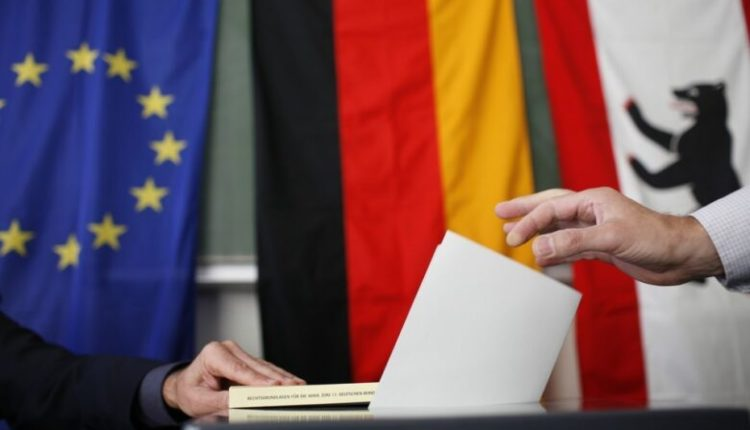 Gjermani, blloku konservator i Merkelit përsëri në epërsi