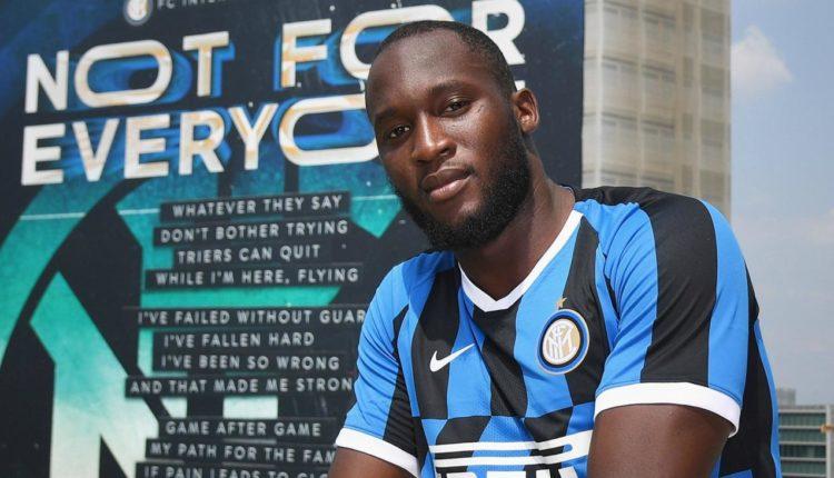 Lukaku qetëson tifozët e Interit, thotë se nuk do të largohet