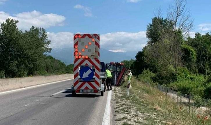 Nis pastrimi i autostradave, Memeti: Do të pastrohen në të gjithë shtetin (FOTO)