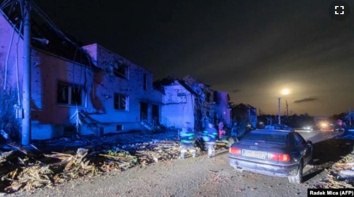 Tri viktima nga tornadoja në Republikën Çeke