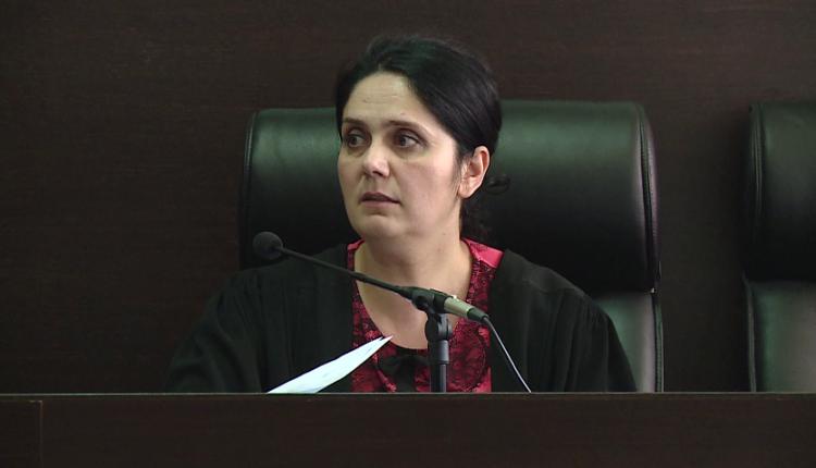 Liroi disa të dënuar përjetë nga burg, Apeli lë në burg ish-gjytaren Enkelejda Hoxha