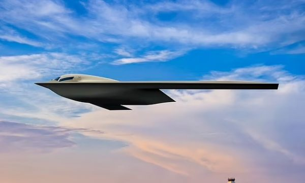 600 milionë dollarë në qiell, prezantohet bombarduesi i ri bërthamor i ushtrisë amerikane