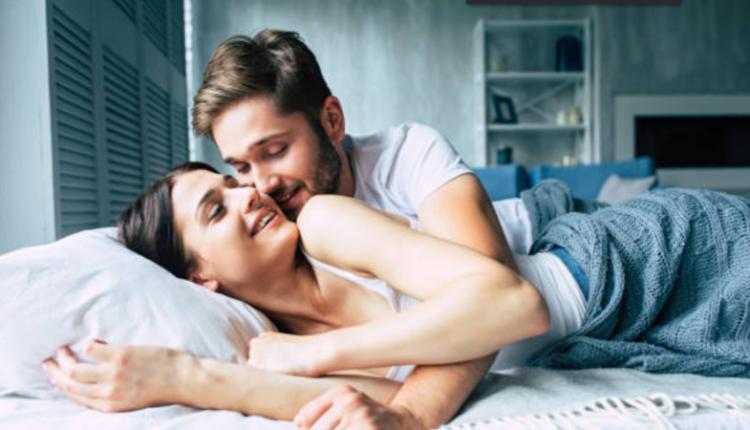 'Pozita 69' e konsumuar: Provojeni pozitën 77, orgazma do të jetë e sigurt
