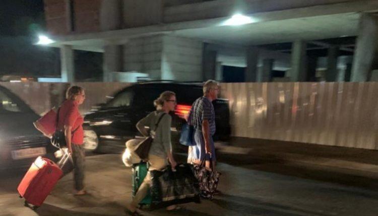 Tërmeti frikëson pushuesit, mbushen rrugët e Shëngjinit, disa largohen