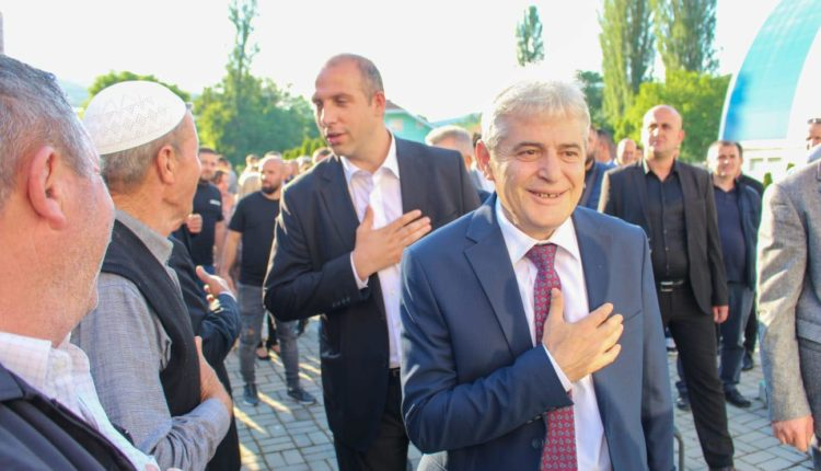Ahmeti në inaugurimin e Sheshit e Dëshmorëve në Mateç të komunës së Likovës