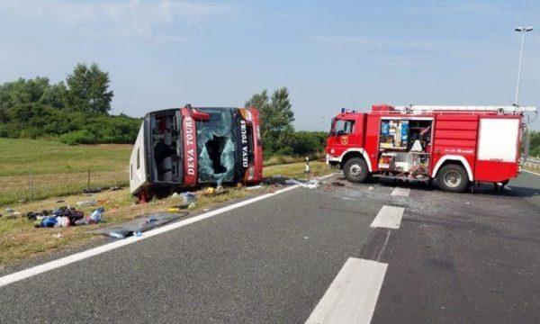 """Tragjedia në Kroaci/ """"Shoferët ishin jo profesional, të pa kujdesshëm , pinin duhan gjatë vozitjes"""""""