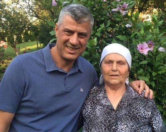 Hashim Thaçi telefonon nënën e tij, ia uron ditëlindjen
