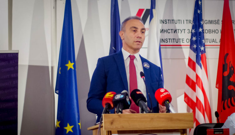 Grubi për Marrëveshjen e Ohrit: Dje jehonte kënga e vallja shqipe mu në mes të Krushevës