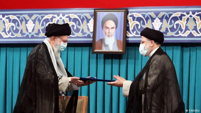 Presidenti i ri iranian betohet para Parlamentit