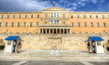 Plani i qeverisë greke: Vaksinë ose test për t'u ulur në kafene që nga vjeshta