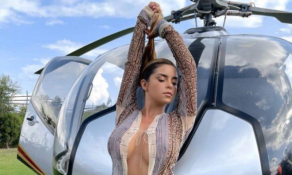 Demi Rose vjen me një paraqitje të nxehtë para helikopterit
