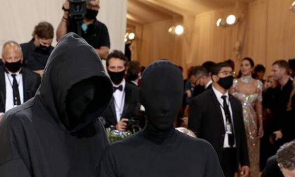 Nuk ishte Kanye, zbulohet personi misterioz që e shoqëroi Kim Kardashian në Met Gala