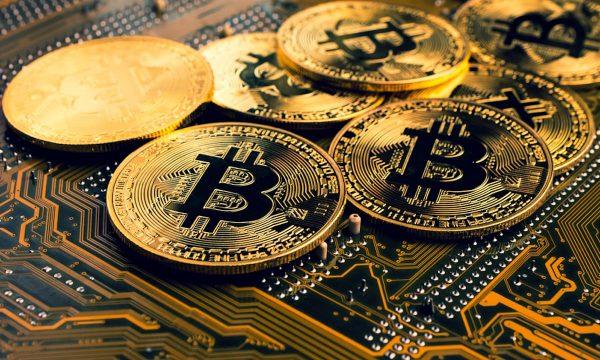 Rikthehet fuqishëm Bitcoin, sërish tejkalon shumën e 50.000 dollarëve