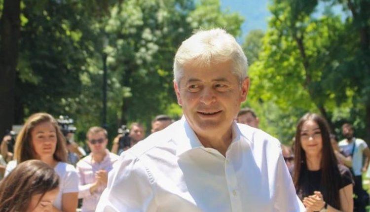 Ali Ahmeti: Ju lus të gjithëve që të Regjistroheni