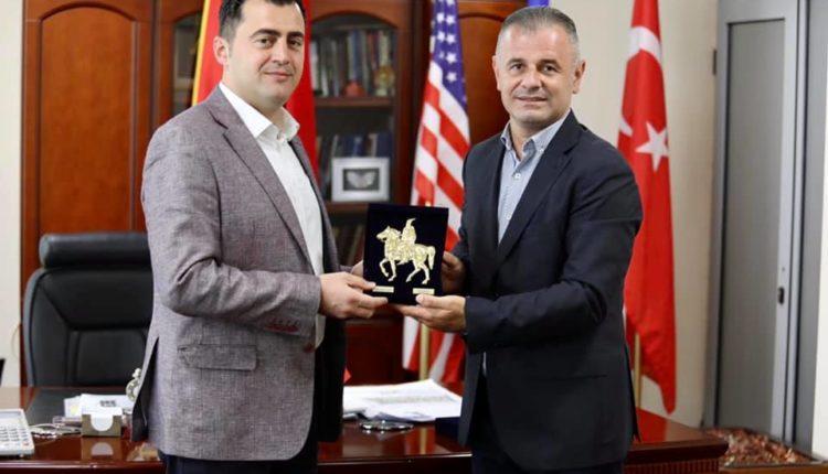 Ganiu priti në takim kryetarin e Bashkisë së Elbasanit Gledian Llatja