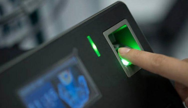 """Zaev: Me sukses do të përfundojë procesi me """"fingerprint"""" terminalet"""