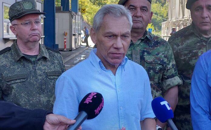 Ambasadori i Rusisë viziton ushtrinë serbe afër kufirit në Jarinjë