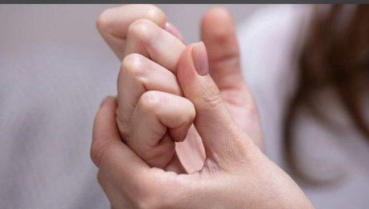 Çfarë ndodh me ju nëse kërcisni gishtat, qafën apo duart
