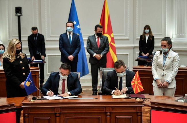 Zëvendësministri Hasani dhe ministri Mehaj nënshkruan Marrëveshje për rregullimin e statusit të forcave të armatosura