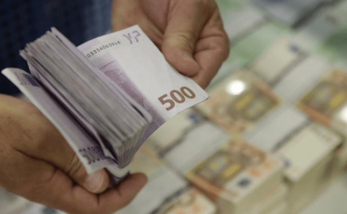 Shkupjani mashtron të afërmen nga Kanada, i mori 50,000 euro për terapi të rreme kundër drogës për djalin e saj