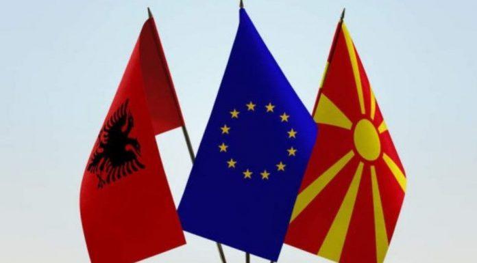 Diplomati amerikan-BE-së: Nisja e negociatave me Shqipërinë dhe Maqedoninë e Veriut nuk duhet shtyrë