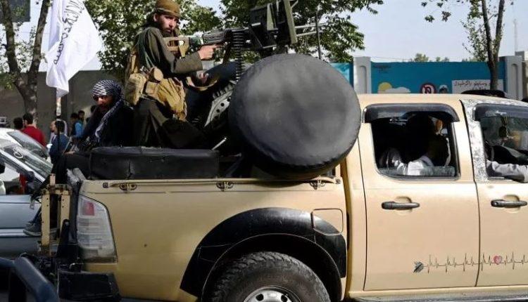 Sulm me bombë mbi një konvoj të talibanëve