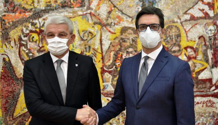 Pendarovski dhe Xhaferoviq diskutojnë krijimin e linjës ajrore Shkup-Sarajevë
