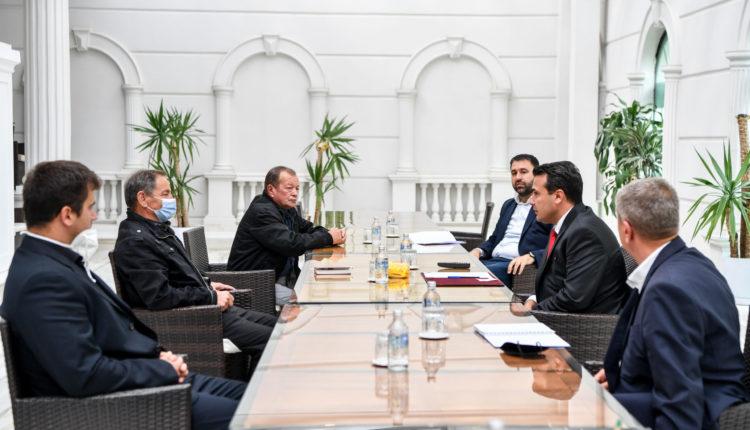 Zaev-Hoxha: Qeveria ka vullnet dhe mbështetje për prodhuesit e orizit, vazhdojnë bisedimet me blerësit për gjetjen e zgjidhjes të favorshme për blerjen e këtij viti