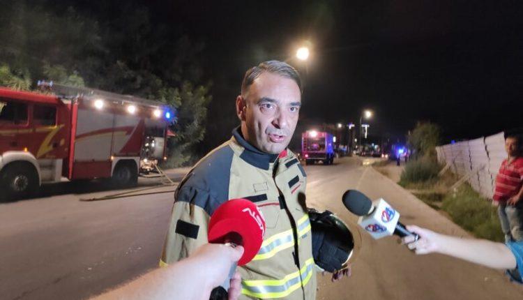 Zjarr në lagjen Autokomandë, digjet një ndërtesë