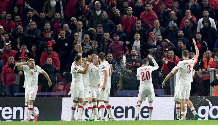 Tifozët polakë godasin fansat kuqezi dhe bëhen iniciatorët e sherrit!(Video)